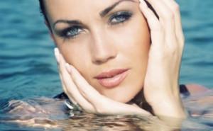 maquillaje-a-prueba-de-agua-574x364