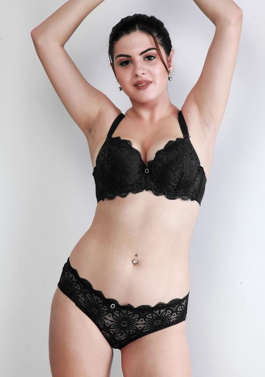 Makclan Floral Lace Licorice Black Lingerie Set