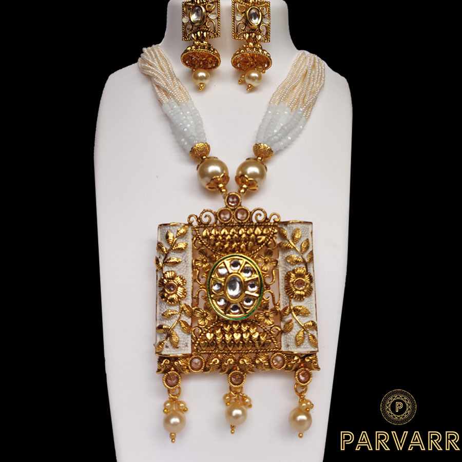 Parvarr Kundan Pearl Gold  Jewellery Set for Women