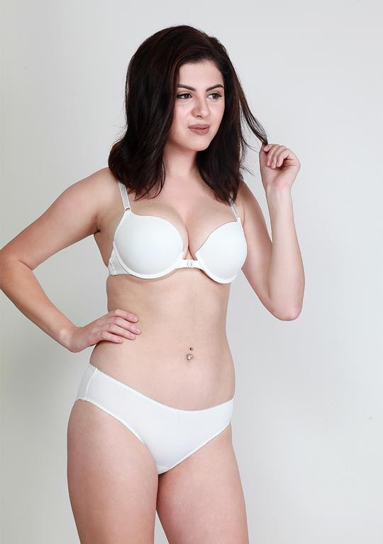 Makclan Sassy n Comfy Front Open Snowflake White Lingerie Set